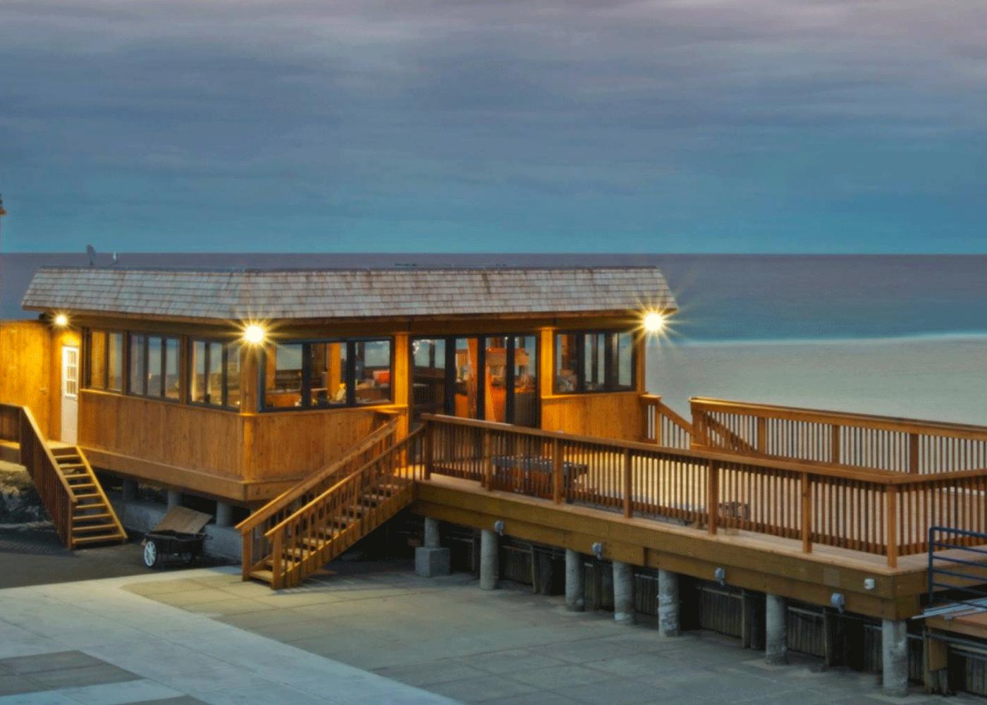 Nauti Bar Exterior