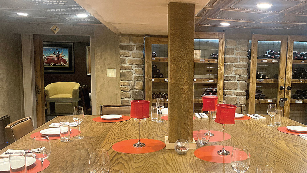 Red Horse Wine Room